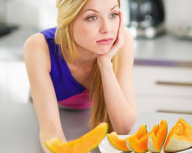Ennyi szénhidrátot, cukrot és zsírt egyél vacsorára, ha fogyni szeretnél!