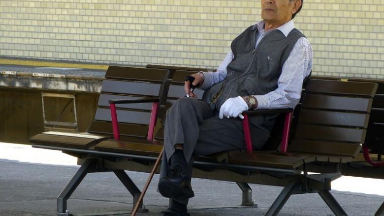 A tudósok elmagyarázzák, hogy miért veszítik el az idősek súlyát