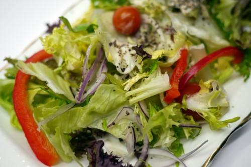 5 dolog, amit soha ne tegyél a salátádba, ha fogyni akarsz | Femcafe