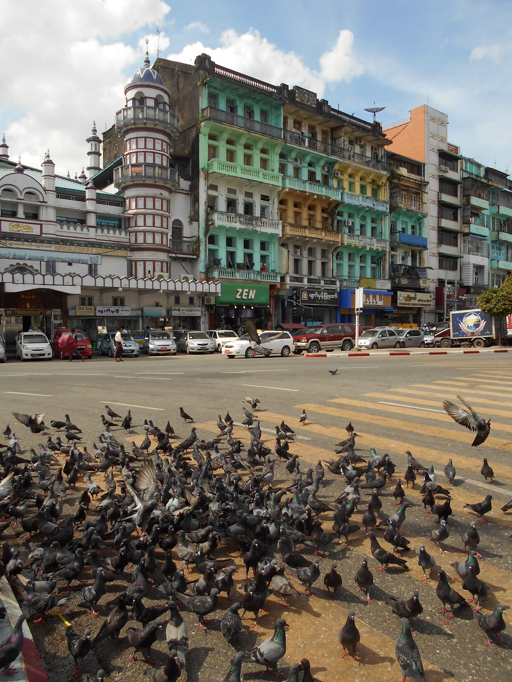 Búvárok keresik a világ legnagyobb harangját Mianmarban | hu