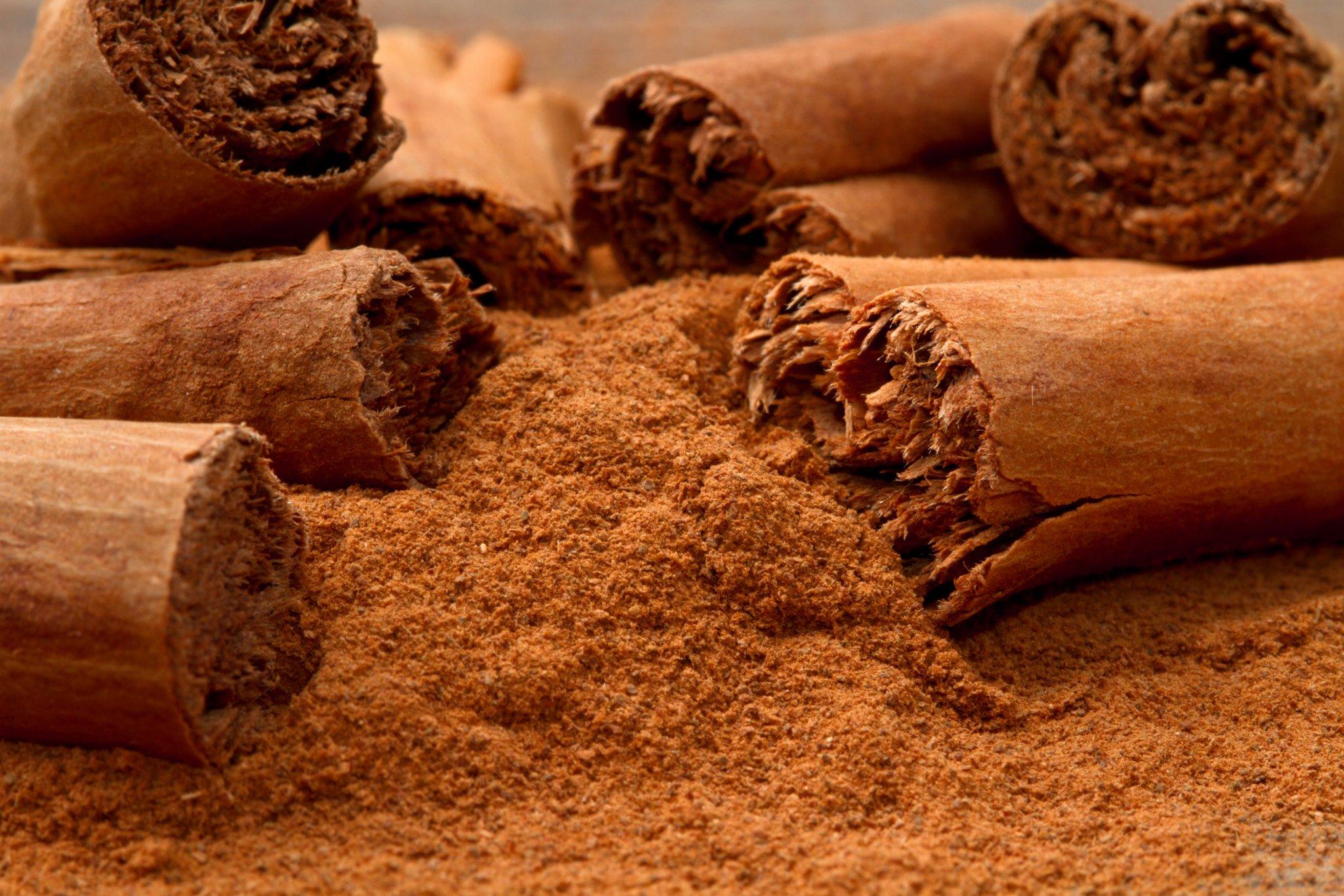 Hogyan segíti a fogyókúrát a fahéj és a méz