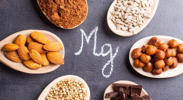 Fehérjék és fogyás: hogyan befolyásolják a fehérjék fogyást? - GymBeam Blog