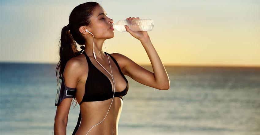 víz segít a fogyásban)