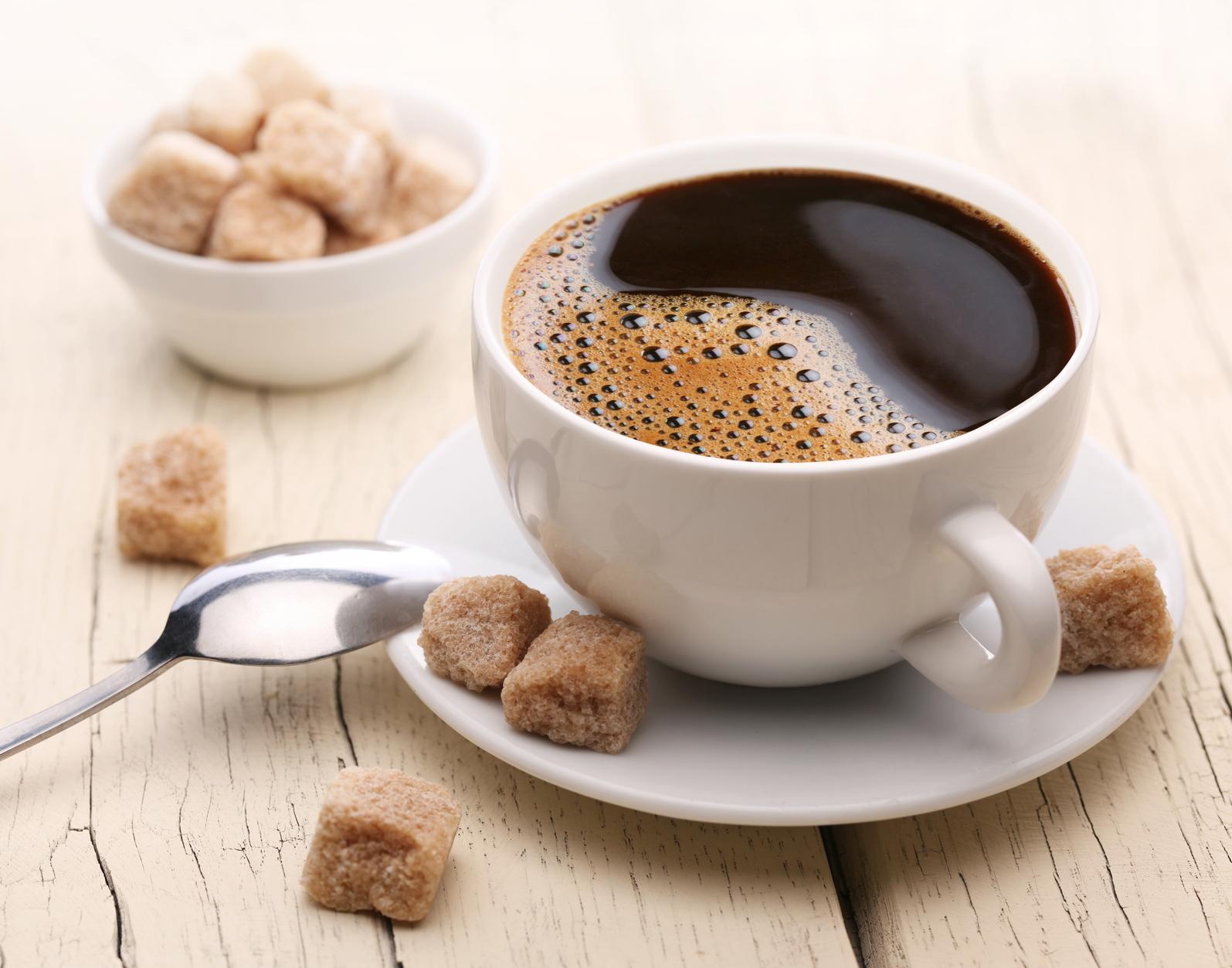 a fekete kávé lefogy?)